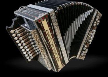 Heligónka, Akordeón, Harmonika