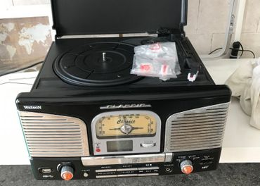 Predám Gramo rádio s CD a USB zn. Classic
