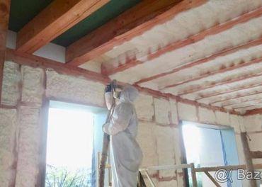 Zateplenie domu, podkrovia, penová striekaná izolácia.