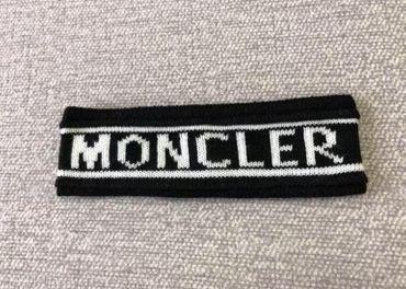 Čelenka Moncler