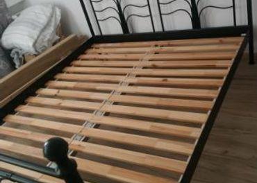 Predám manželskú posteľ Ikea 160 x 200