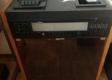Tesla stereo studio 1036 A