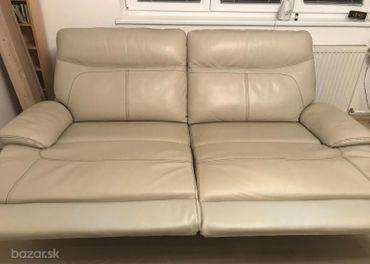 Béžová polohovacia sedacia súprav