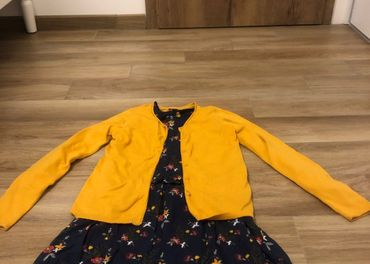 Detské šaty,sveter a pančuchy