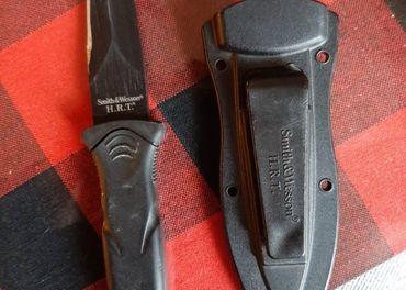 Smith & Wesson nožík