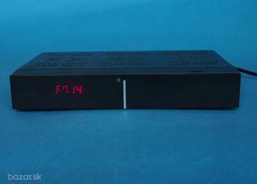 Digitálny terestriálny TV box Satro  C30CX