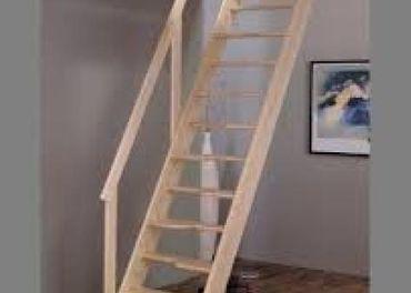 Prefabrikované schody z prírodného masívnehosmreku