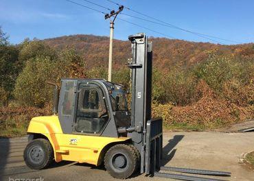 UN Forklift FD 70 - 7 tonový, kabína, bočný posuv