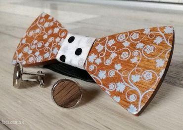 Bodkovaný drevený motýlik - sada