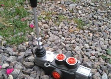 jednopáčkový hydraulický rozvádzač
