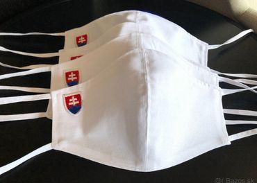Biele bavlnené rúško so slovenským znakom na šnúrky