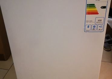 truhlicova mraznička philco Pcf 1021