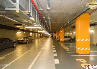 Parkovacie státie  s pivnicou  v podzemnej garáži v Eurovei