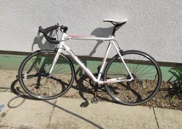 Cestný bicykel Muddyfox