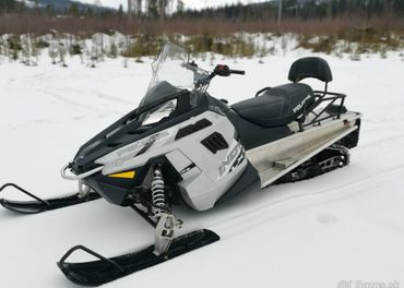 Snežný skúter POLARIS INDY LXT 600