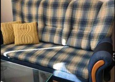 Modry rozkladací gauč