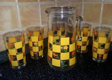 Sklenený džbán a 5 pohárov