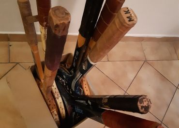Staré drevené tenisové rakety