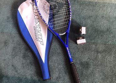 Squashova raketa Dunlop + 2 lopticky