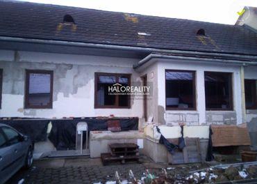 Predaj, rodinný dom Banská Bystrica, Sásová