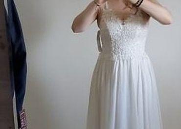 Svadobné šaty (vyčistené) + spodnička (veľkosť 38-40)