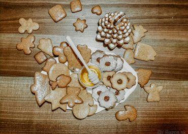 Medovníky, linecké koláčiky
