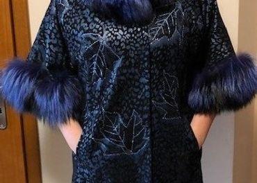 Luxusný elegantný kabát z prvej kože