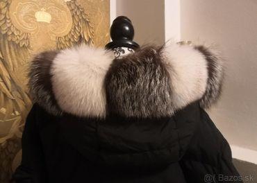 Lem na kapucňu z líšky