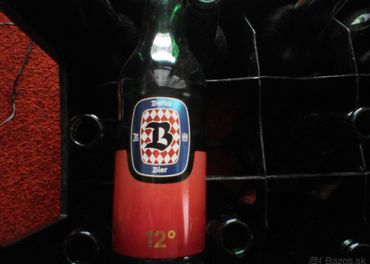Fľaše a debnička