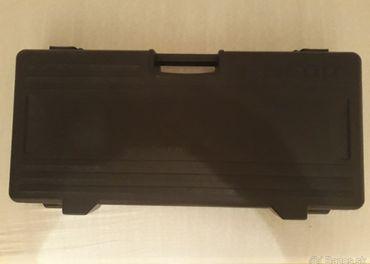 pedal board behringer 600