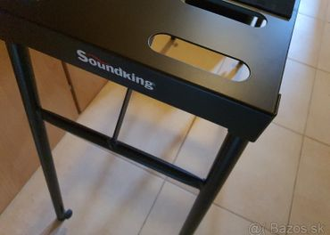 Predám Soundking DF 018