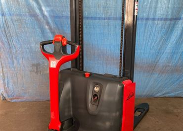 Vysokozdvižný vozík LINDE L12