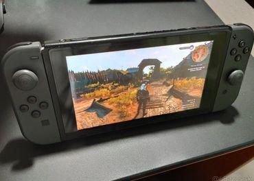 Nintendo Switch s komplet výbavou + veľa príslušenstva