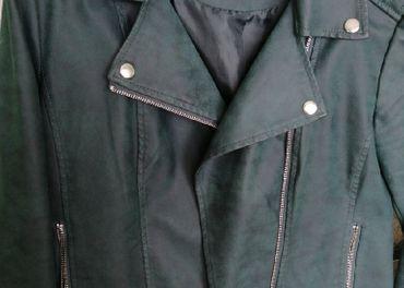 Kvalitná koženka tmavozelenej farby