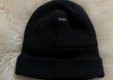 Guess čierna zimná čapica čiapka
