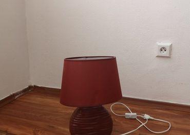 Bordová lampa
