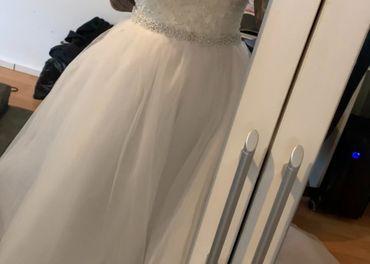 Nové lacné svadobné šaty, kruh,závoj a korunka
