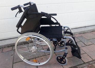 ODĹAHČENÝ Invalidný vozík BREEZY š.sedu  40cm+BRZDY  pre dop