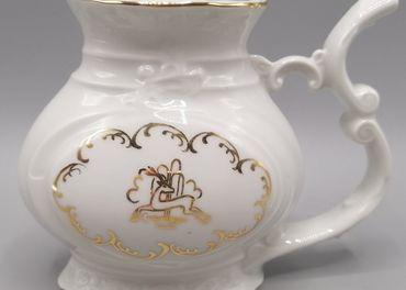 Horní Slavkov, biely kúpeľný pohár