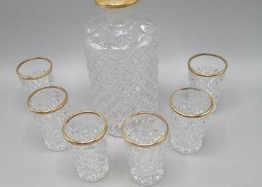 Karafka a šesť pohárikov so zlátením, sklo