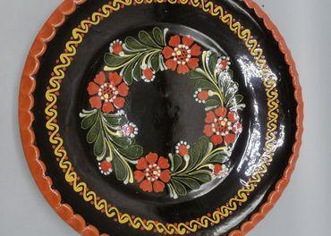 Keramický značený tanier
