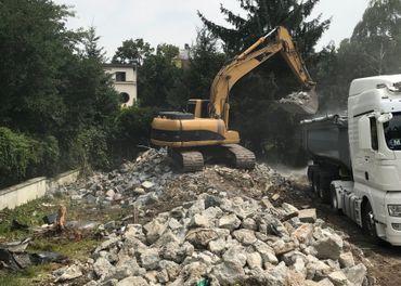 Odvoz stavebnej sute, búracie práce –Búracie kladivo 1.700kg