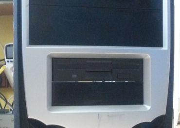 PC skrinka full ATXová s DVD a čítačkou kariet