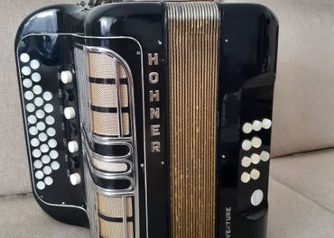 Harmonika Heligonka Hohner Ouverture C/F + kufor + remene