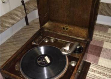 Predám starožitný gramofón