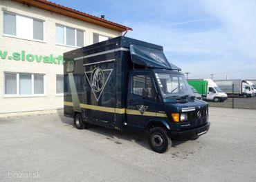 Mercedes Benz 412d prepravník na prepravu koní VIN 158