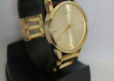 Nové elegantné Calvin Klein hodinky - gold