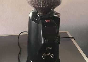 Profesionálny mlynček na kávu
