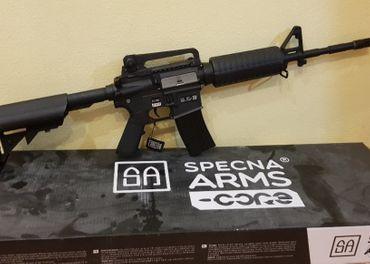 Predám elektricku airsoft zbran M4, M4A1, SA-C01 CORE