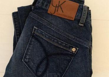 Calvin Klein Jeans rifle
